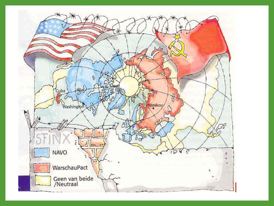 TWEE INVLOEDSSFEREN DEMOCRATISCH / KAPITALISTISCH WEST – EUROPA STEUN VOOR WEDEROPBOUW VAN VS: MARSHALL HULP (TRUMANDOCTRINE) MILITAIR BONDGENOOTSCHAP: NAVO VOLKSDEMOCRATIEËN / COMMUNISTISCH OOST-EUROPA SATELLIETSTATEN MOGEN NIET MEEDOEN MET MARSCHALLPLAN: DOLLAR-IMPERIALISME MILITAIR BONDGENOOTSCHAP: WARSCHAUPACT WAPENWEDLOOP