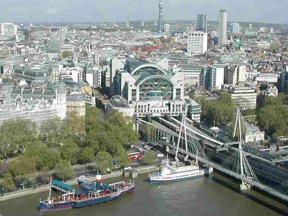Het Millennium wiel ligt tegenover Westminster en behoort tot de hoogste wiel van Europa: 135 meter. De structuur ervan doet denken aan een fietswiel,