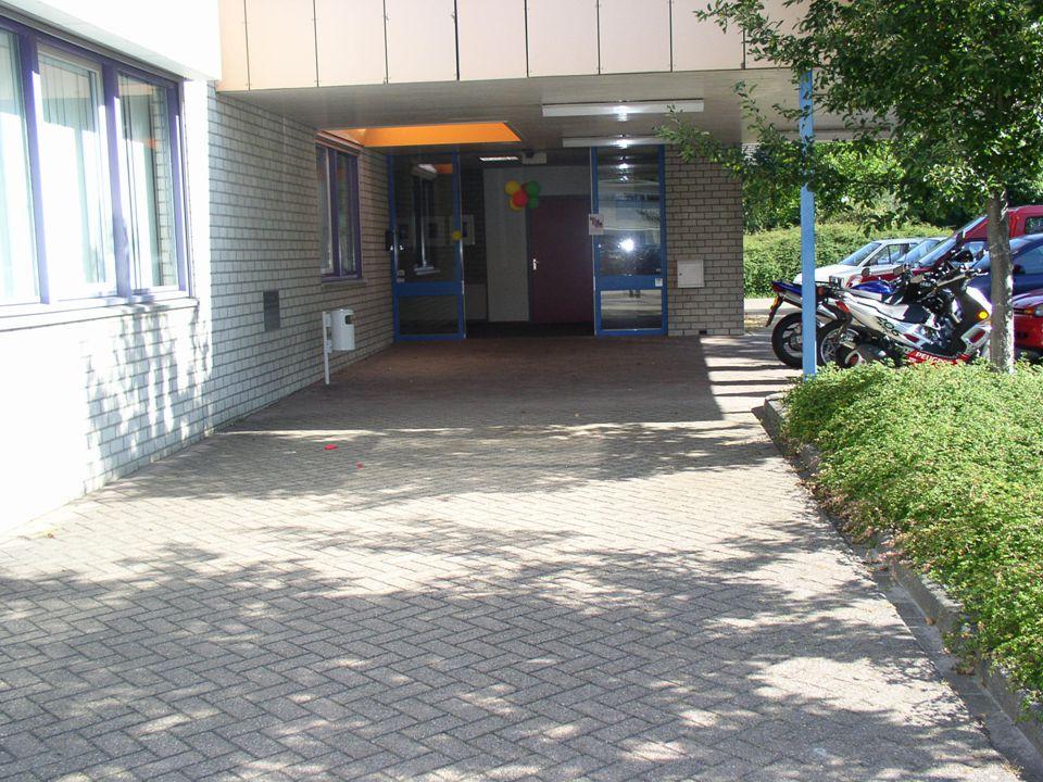 BE/Hasselt/17-05- 055