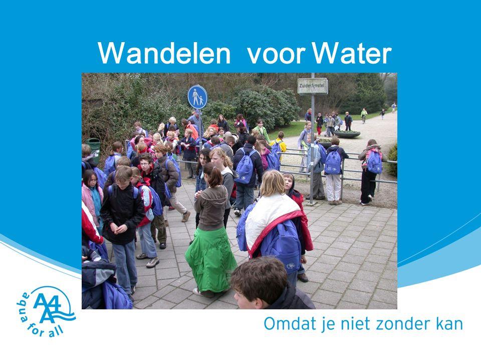 Lespakket Water het blauwe goud (school) Sponsorgeld inzamelen (leerlingen) Gastles 6 km lopen met 6 kg water in rugzak BB 1