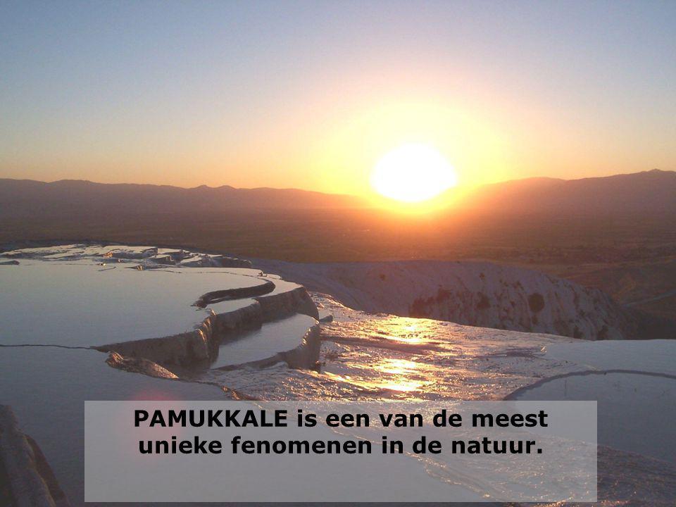 PAMUKKALE is een van de meest unieke fenomenen in de natuur.