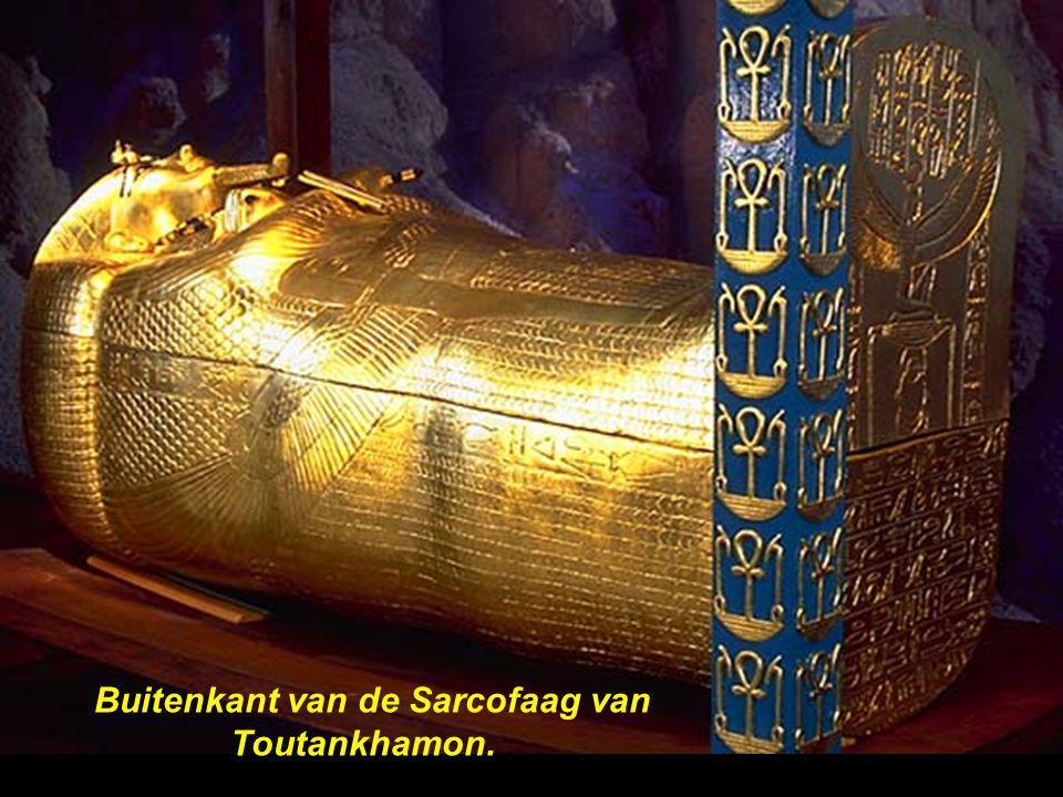 Buitenkant van de Sarcofaag van Toutankhamon..