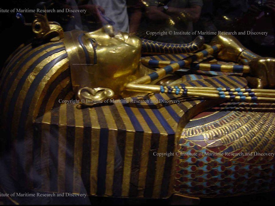 INNER SARCOPHAGUS – SOLID GOLD/ LAPIS-LAZULI BINNEN SARCOFAAG- PUUR GOUD & LAPIS-LAZULI