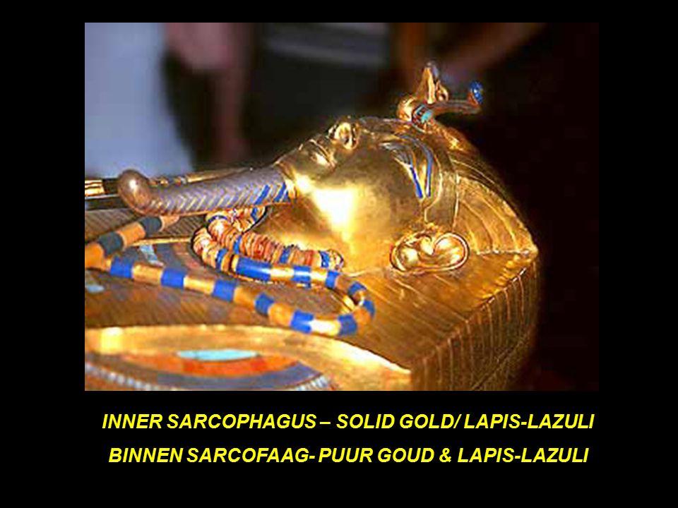 OUTER SARCOPHAGUS BOVEN SARCOFAAG