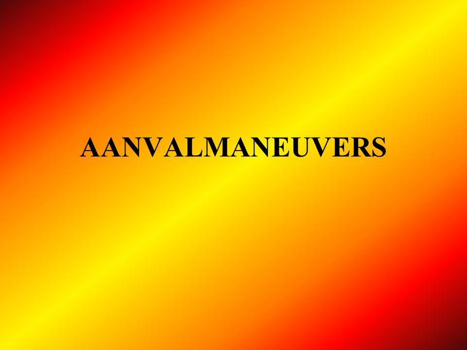Aanvalslijn 1 x Ø 45 AP slang Ø 70 richting brand AFLEG fase 1 koppelstuk aan chauffeur A AANVAL.