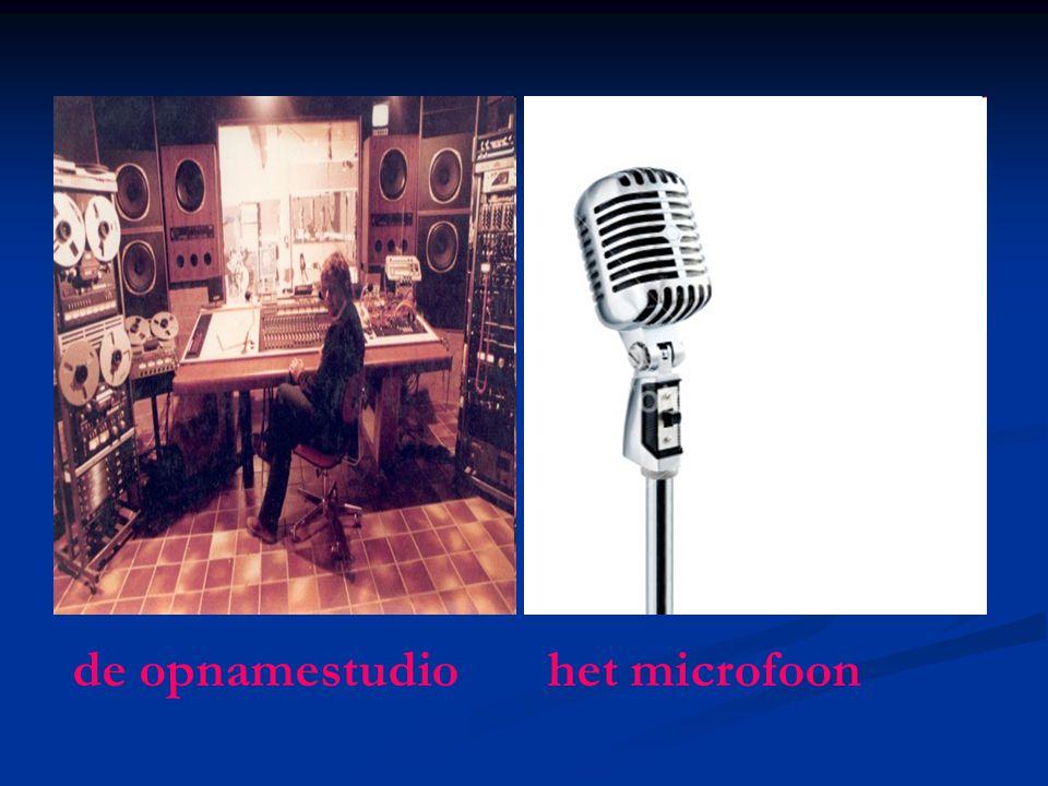 de opnamestudio het microfoon