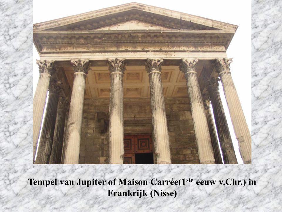 Tempel van Jupiter of Maison Carrée(1 ste eeuw v.Chr.) in Frankrijk (Nisse)