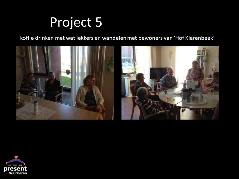 koffie drinken met wat lekkers en wandelen met bewoners van 'Hof Klarenbeek' Project 5