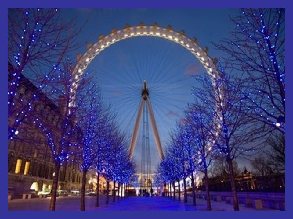 s'Nachts, vervaagt het Londens landschap door de duisternis, maar maakt een blik mogelijk op de gotische huizen van Westminster,zoals de Westminster Abbey, het Tate Modern museum en Tower Bridge over de rivier de Theems.