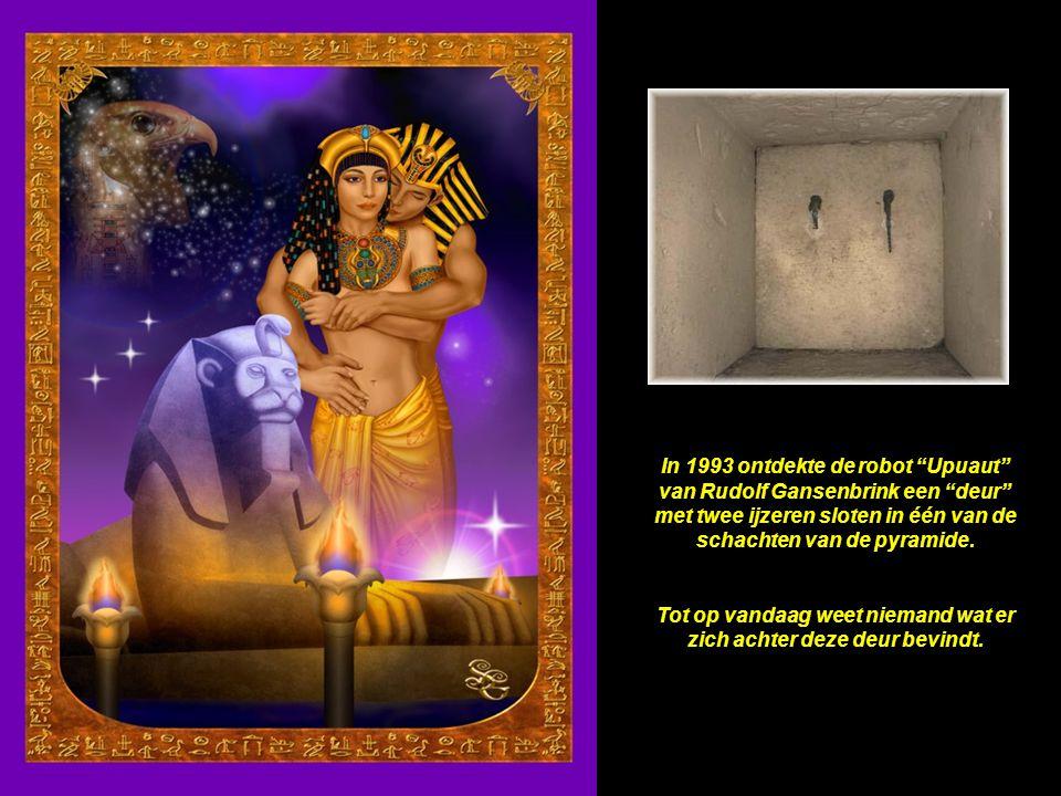 De sarcofaag in de Koningskamer is gehouwen uit één blok graniet; enkel de beste diamantboren kunnen dit vandaag evenaren