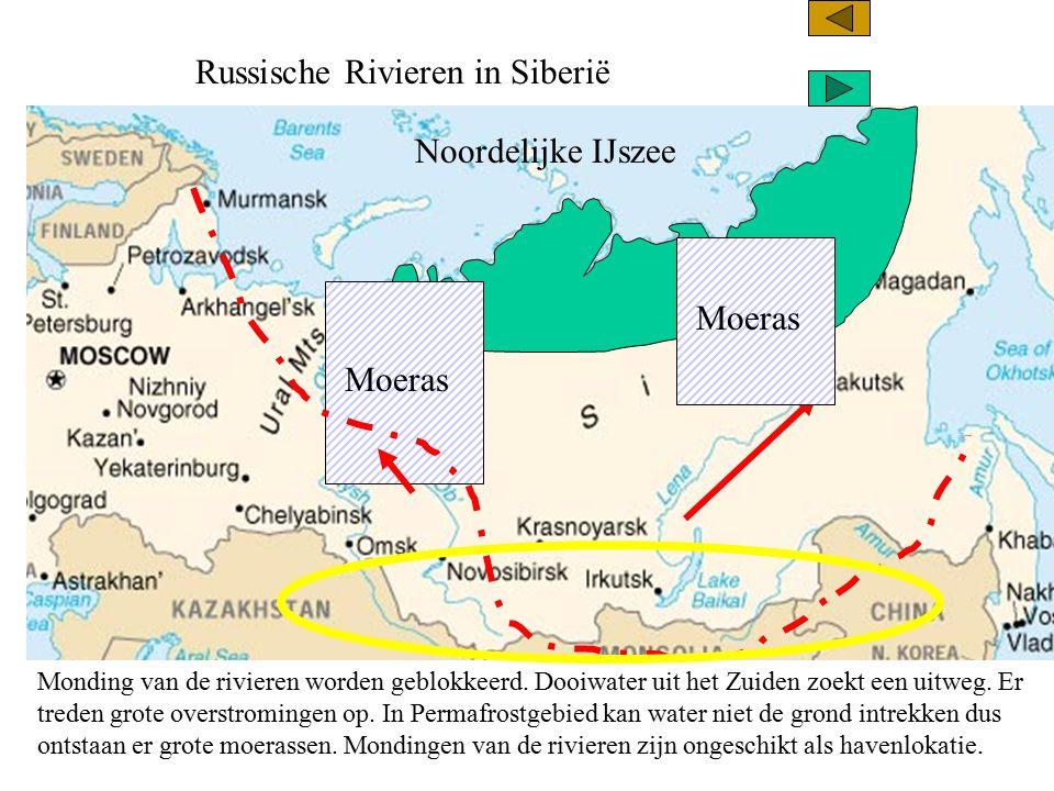 Russische Rivieren in Siberië Noordelijke IJszee Monding van de rivieren worden geblokkeerd. Dooiwater uit het Zuiden zoekt een uitweg. Er treden grot