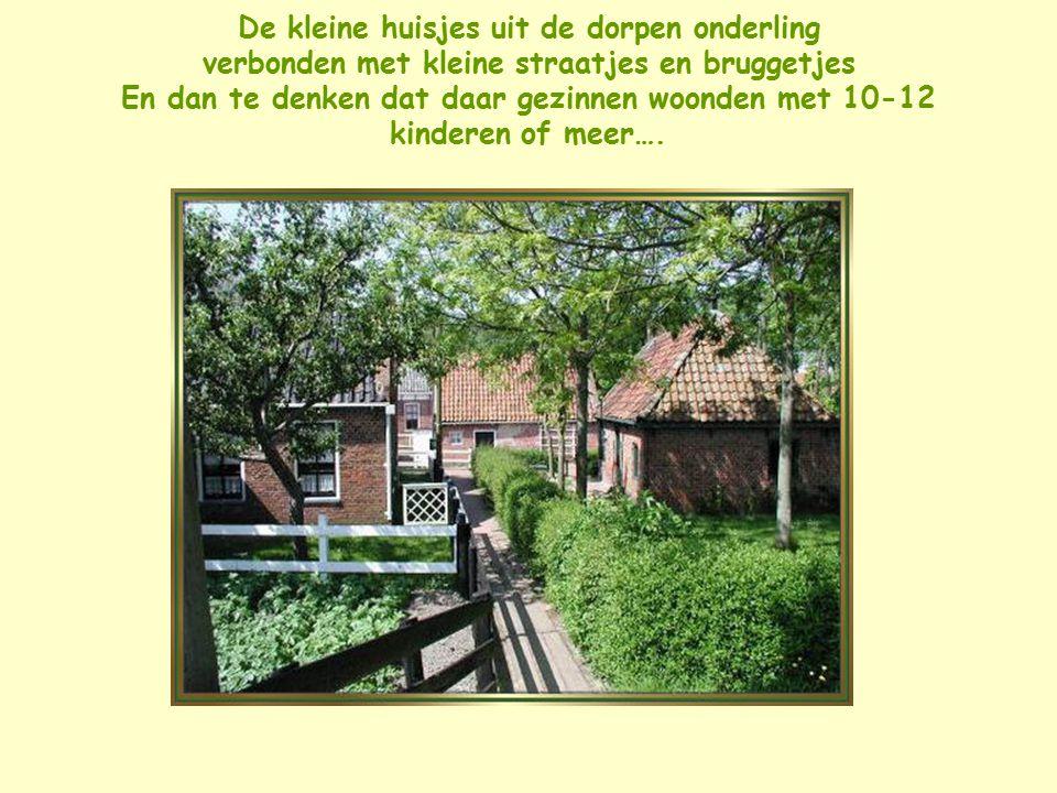 Een beetje nostalgie in het buitenmuseum van Enkhuizen met Opoe de bedstee in en de klompjes voor de deur
