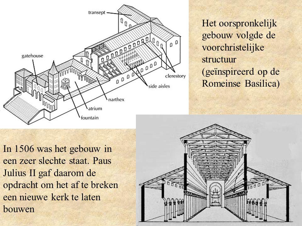 Het Plan Bramante was de eerste hoofdarchitect en maakte een nieuwe ontwerp voor de kerk met het Grieks kruisplan.