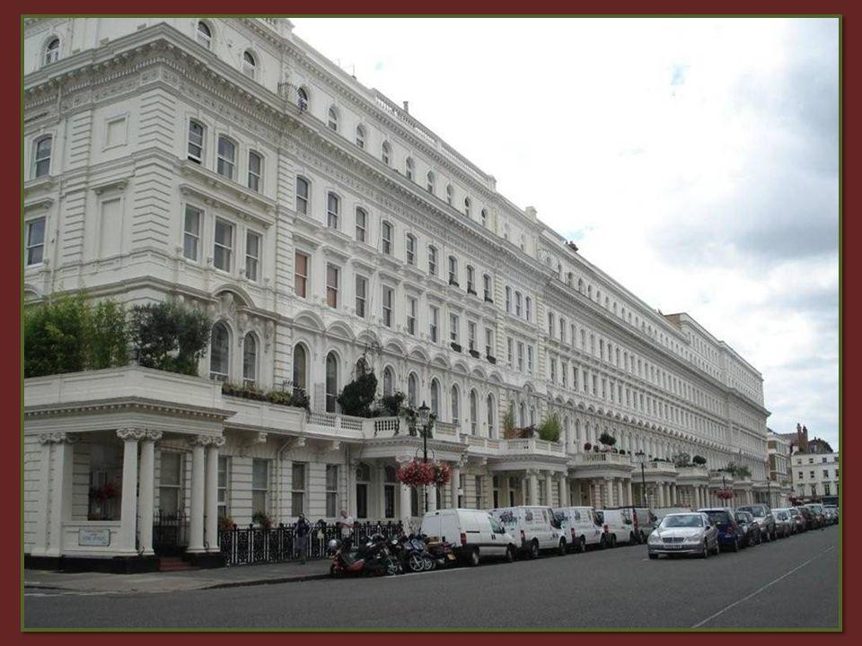 De wijk South Kensington met haar ambassades en consulaten. Maakt deel uit van een der chicste plaatsen van de hoofdstad.