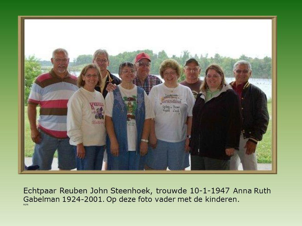 Echtpaar Reuben John Steenhoek, trouwde 10-1-1947 Anna Ruth Gabelman 1924-2001.