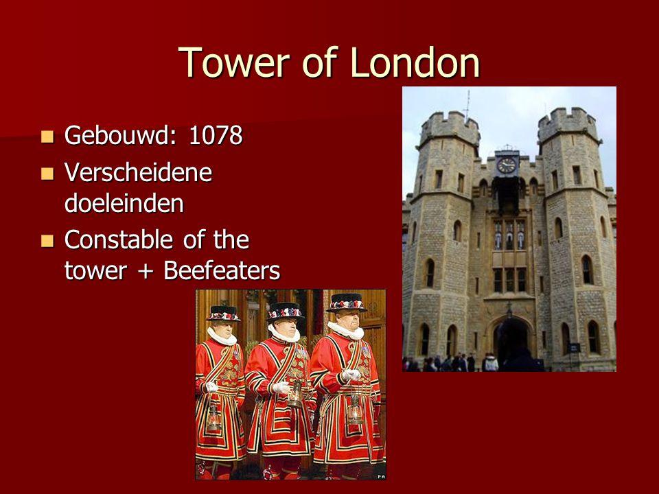 Buckingham Palace Gebouwd: 1703 Gebouwd: 1703 Verblijfplaats koningin Verblijfplaats koningin Koninklijke wacht Koninklijke wacht