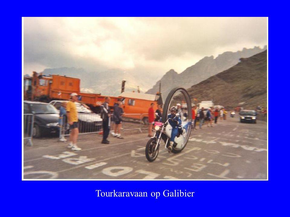 Tourkaravaan op Galibier