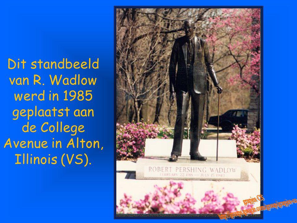 Zijn graf in zijn geboortedorp is op maat: het is de hoogste grafzerk op het kerkhof...