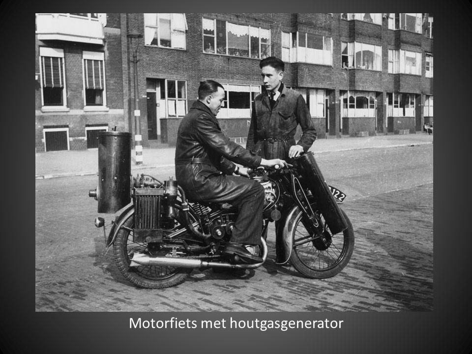 Motorfiets met houtgasgenerator