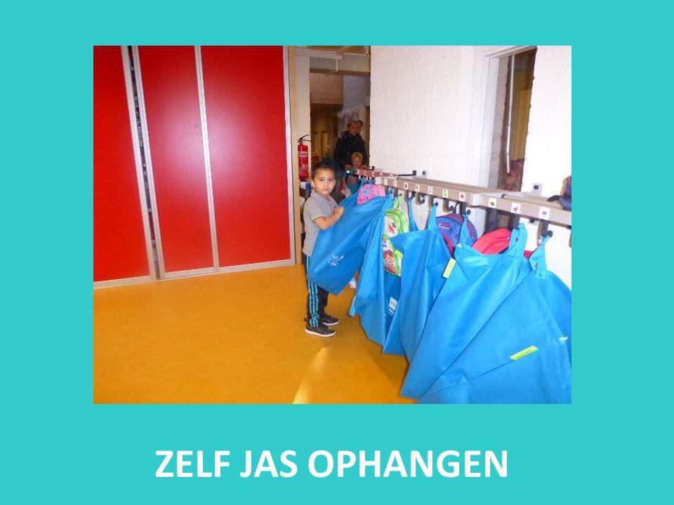 ZELF JAS OPHANGEN