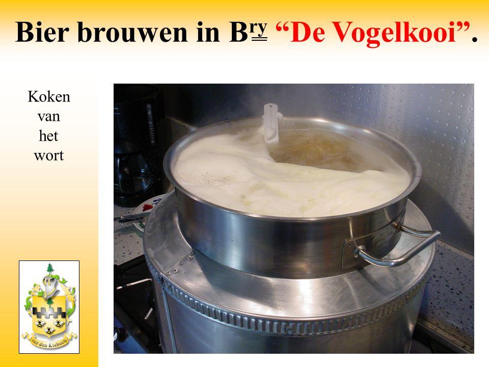 """Koken van het wort Bier brouwen in B ry """"De Vogelkooi""""."""