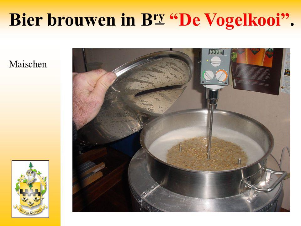 """Maischen Bier brouwen in B ry """"De Vogelkooi""""."""