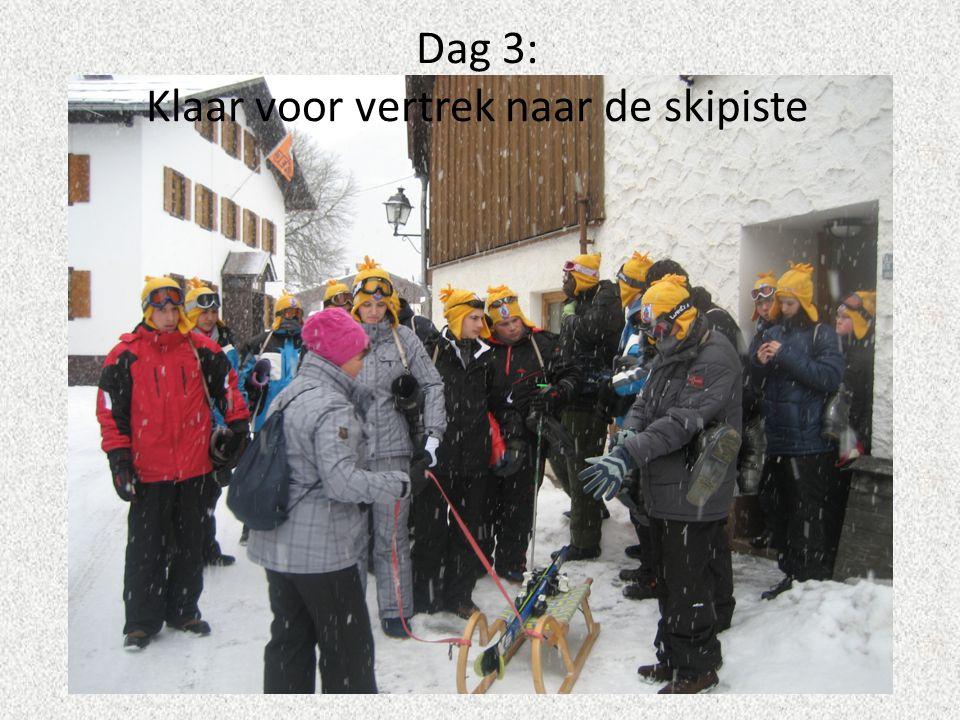 Op de piste Jo Rooseleer klaar voor vertrek Jan poseert volledig ingeduffeld voor de foto En… actie!!.