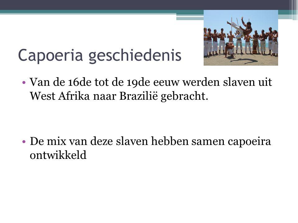 Capoeria geschiedenis Van de 16de tot de 19de eeuw werden slaven uit West Afrika naar Brazilië gebracht. De mix van deze slaven hebben samen capoeira