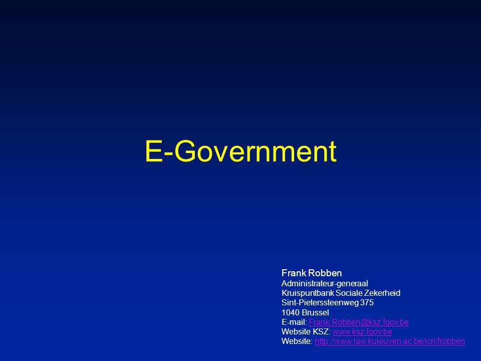 52 Frank Robben 11/03/2005 Aangiften sociale risico's n van meervoudige opvraging van informatie via diverse, complexe, niet-gecoördineerde papieren formulieren