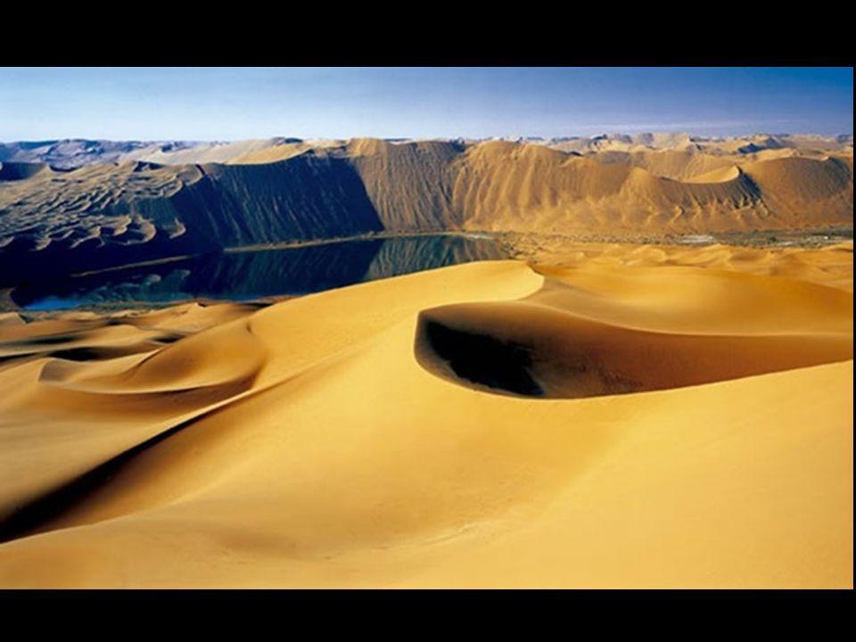 Tot vandaag de dag, is het moelijk te begrijpen dat in een woestijn gebied, zonder regen, droog en overheersend door geweldig groot duinen, er groot aantal meren zich bevinden sinds eeuwen, dit is ongelooflijk.