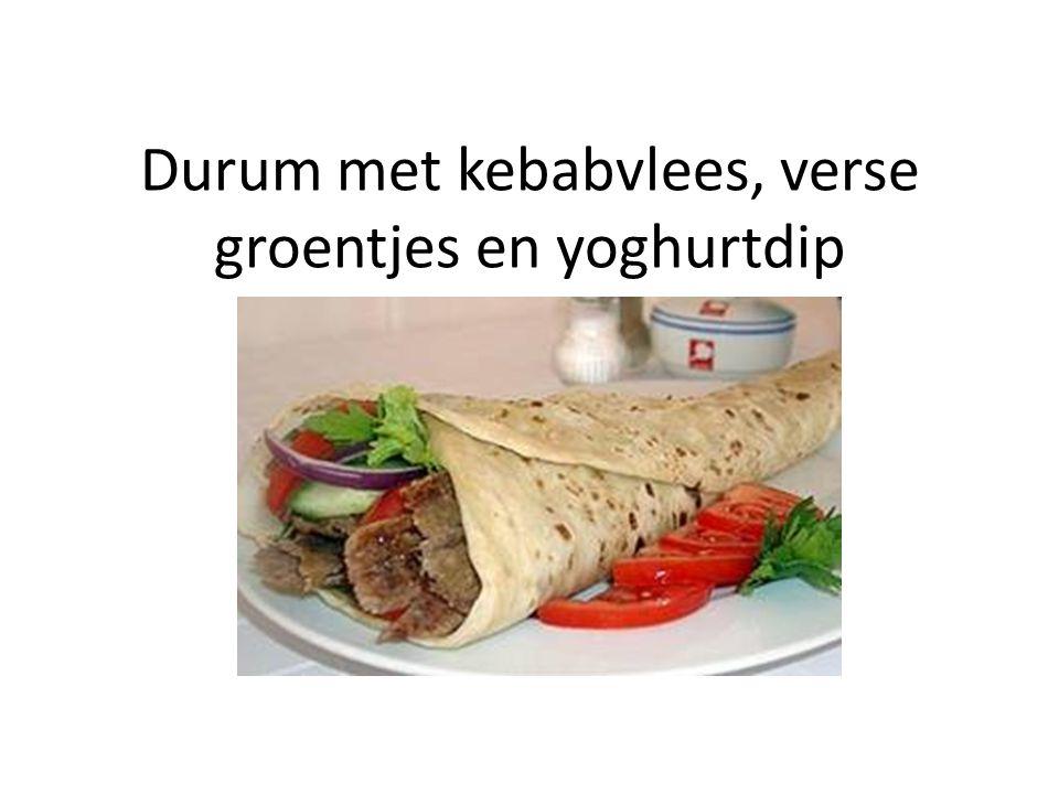 Durum met kebabvlees, verse groentjes en yoghurtdip