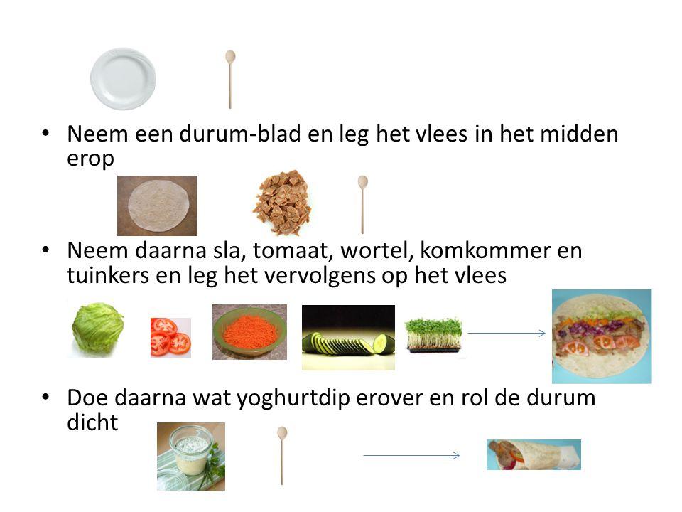 Neem een durum-blad en leg het vlees in het midden erop Neem daarna sla, tomaat, wortel, komkommer en tuinkers en leg het vervolgens op het vlees Doe daarna wat yoghurtdip erover en rol de durum dicht