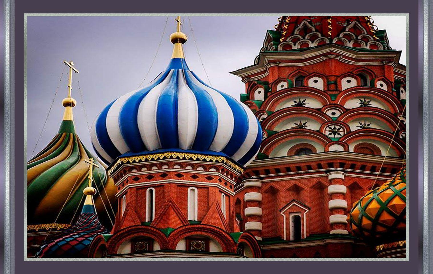 Volgens de legende, had Ivan de architect blind gemaakt, zodat hij nooit meer een mooiere kerk kon bouwen zoals deze.