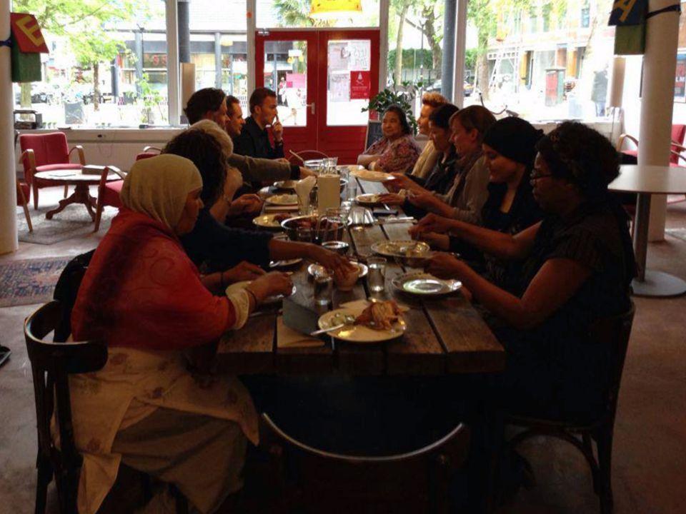 Toewerken naar zorgcoöperatie Rotterdam West -borgen van collectieve voorzieningen -bewoners organiseren -bewoners stem geven in keuzes m.b.t zorg & welzijn
