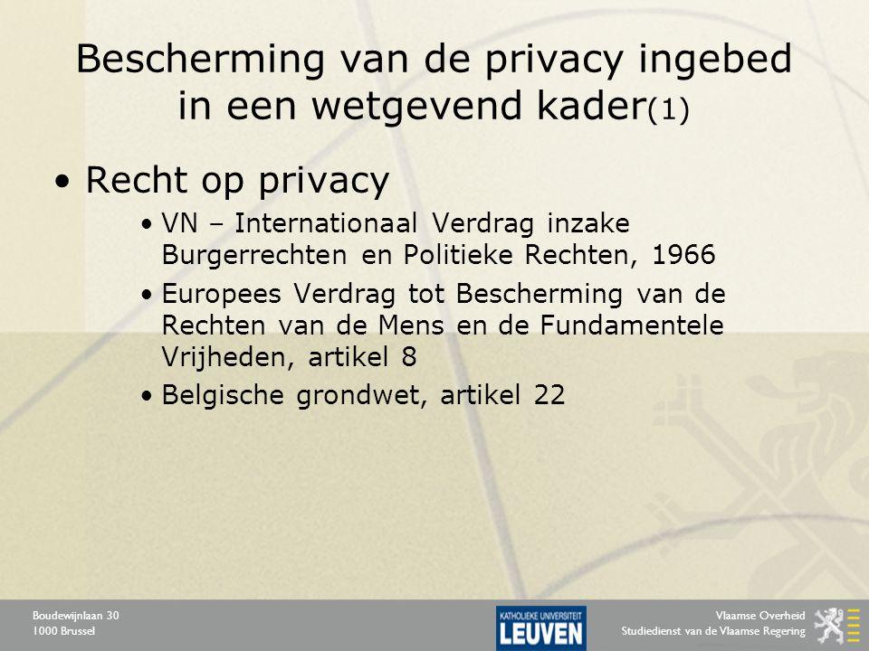 Vlaamse Overheid Studiedienst van de Vlaamse Regering Boudewijnlaan 30 1000 Brussel Bescherming van de privacy ingebed in een wetgevend kader (2) Verwerking van persoonsgegevens »Informatisering: zowel overheden als private instellingen bouwen databanken op met allerlei persoonsgegevens die door middel van unieke identificatienummers in principe eindeloos met elkaar gekoppeld kunnen worden »Beheer van deze gegevensstromen leidt in navolging van Europese richtlijnen tot specifieke wetgeving en uitvoeringsbesluiten in de periode 1992 – 2008
