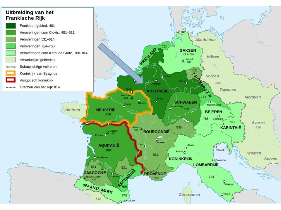 Verbond tussen troon en altaar STAP 1STAP 2STAP 3 JAARTAL500749-751800 BETROKKENEN-Clovis (Merovinger) -Bisschop van Reims -Karel Martel (Karolinger) -Paus Zacharias -Karel de Grote (Karolinger) -Paus Leo III GEBEURTENISDoop van ClovisStaatsgreep Karel Martel met kroning als gevolg.