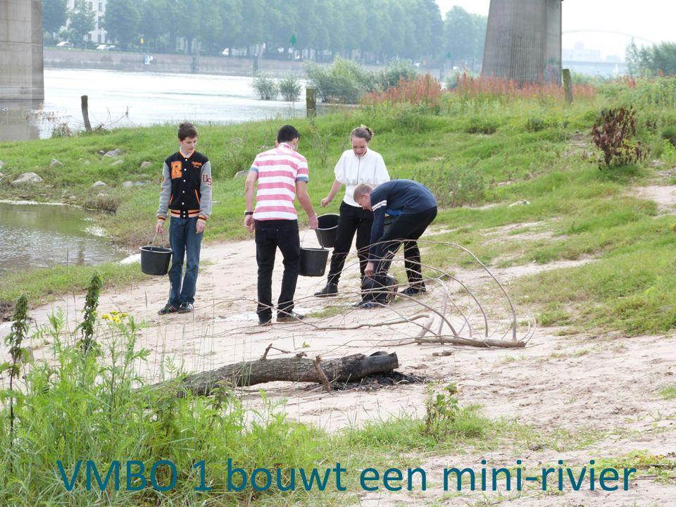 VMBO 1 bouwt een mini-rivier