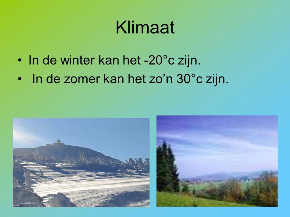 Klimaat In de winter kan het -20°c zijn. In de zomer kan het zo'n 30°c zijn.