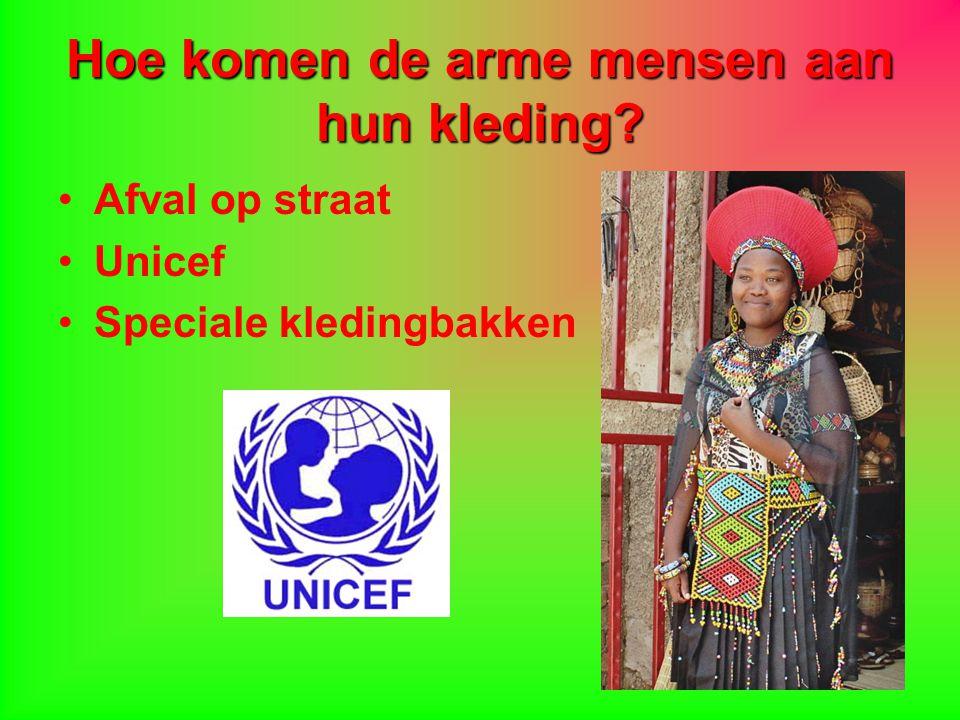 Hoe komen de arme mensen aan hun kleding? Afval op straat Unicef Speciale kledingbakken