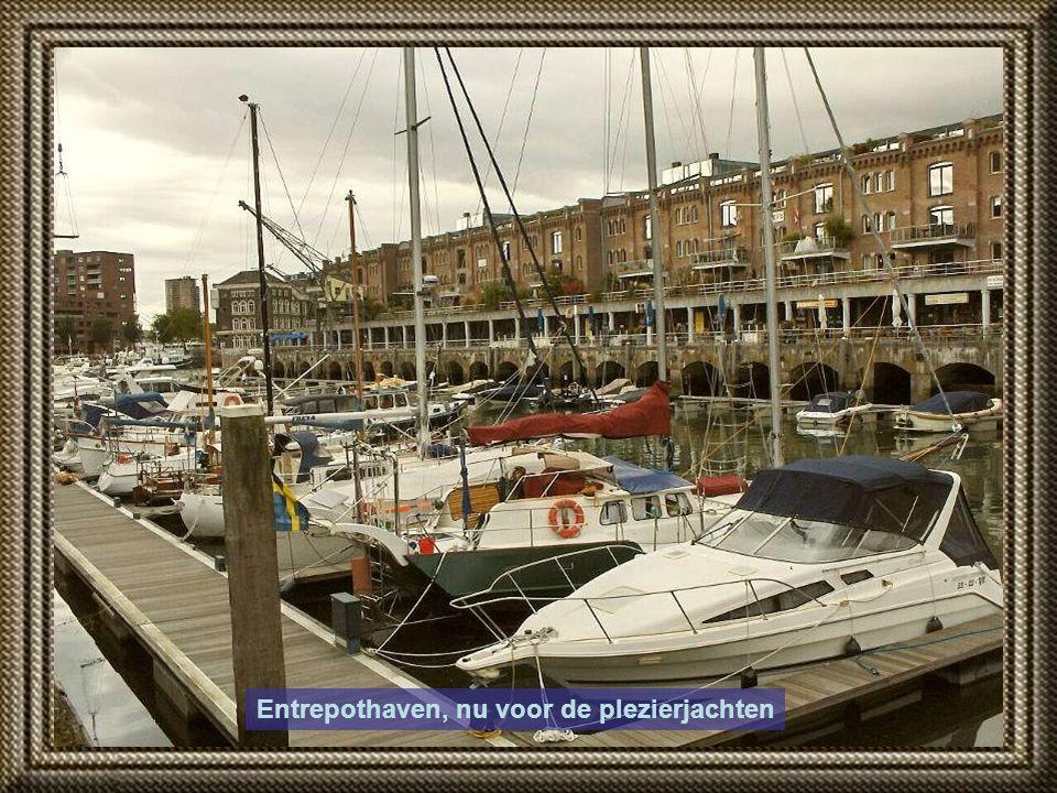 Havenbaron en politicus Lodewijk Pincoff speelde een grote rol met zijn Rotterdamse Handelsvereniging, t.b.v. de exploitatie van het haven- en industr