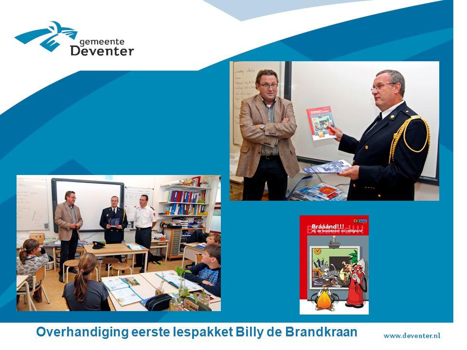 Overhandiging eerste lespakket Billy de Brandkraan
