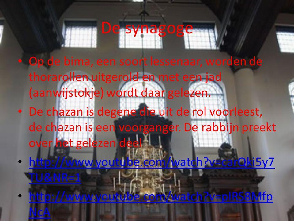 De synagoge Binnen de orthodoxie is er geen plaats voor vrouwen, de liberale joden hebben wel gemengde diensten Mannen dragen de talliet of gebedsmantel.