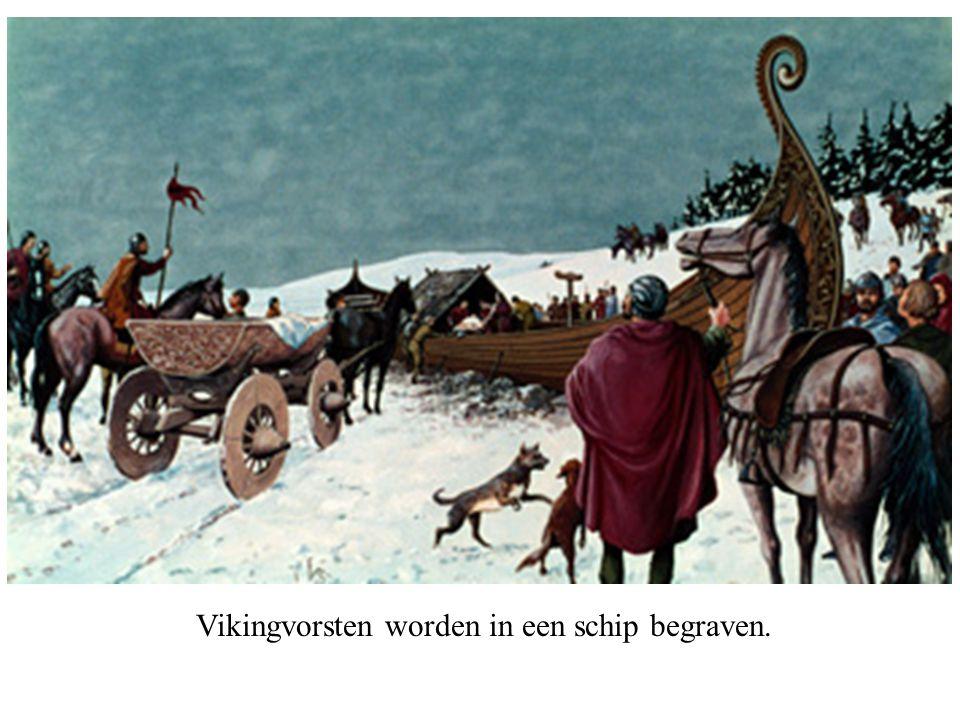 Vikingvorsten worden in een schip begraven.
