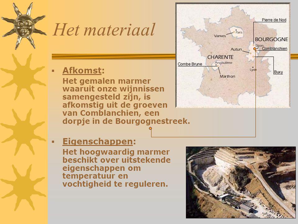 Het materiaal  Afkomst: Het gemalen marmer waaruit onze wijnnissen samengesteld zijn, is afkomstig uit de groeven van Comblanchien, een dorpje in de Bourgognestreek.