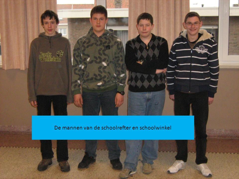 De mannen van de schoolrefter en schoolwinkel