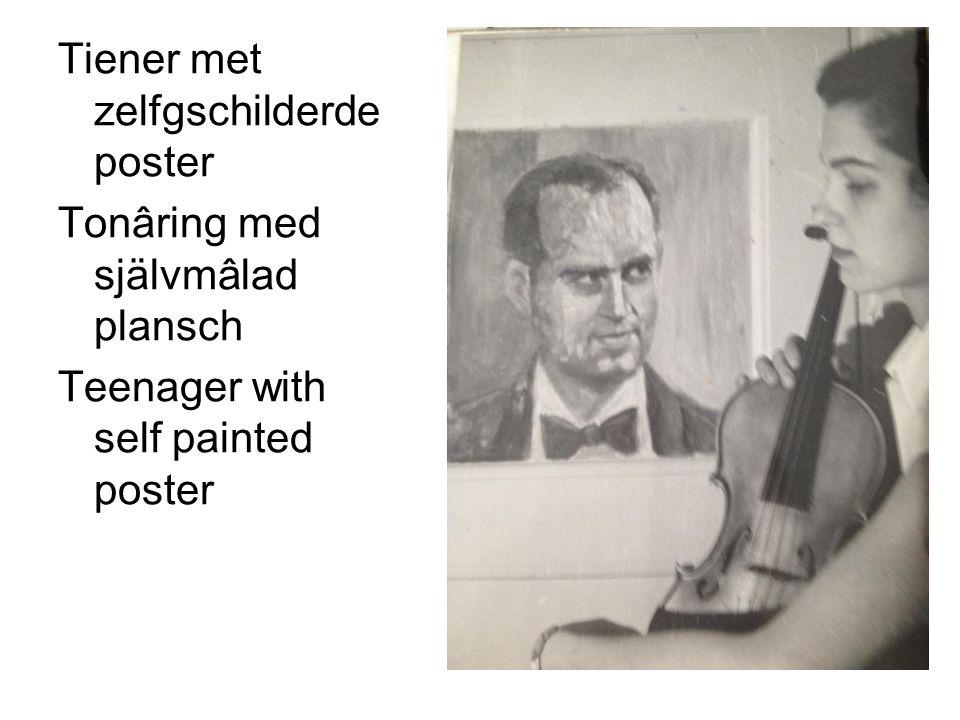 Tiener met zelfgschilderde poster Tonâring med självmâlad plansch Teenager with self painted poster