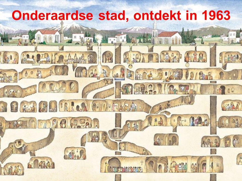 Derinkuyu (Turkije) Vertaald uit het Frans – Freddy Storm 06/2011