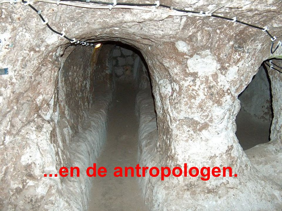 http://rayonnerlalumiere.blogspot.com/ Muziek : Carino - Chris Spheeris http://spi0n.fr/blog/photos-images-insolites/la-ville-souterraine-mysterieuse/