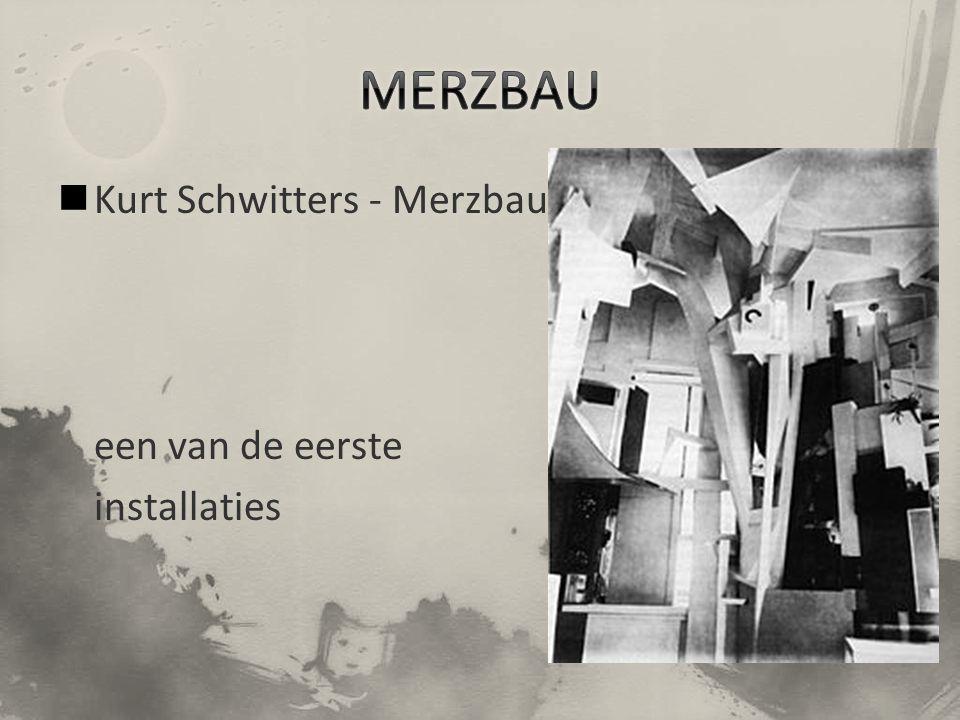Kurt Schwitters - Merzbau een van de eerste installaties