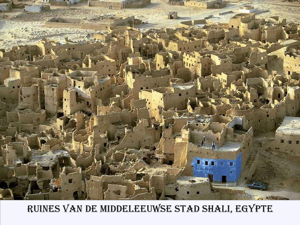 Ruines van de middeleeuwse stad Shali, Egypte